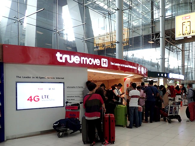 TRUE MOVE shop selling SIM-cards at Suvarnabhumi Airport